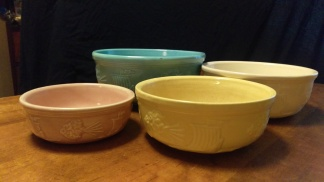 Robinson-Ransbottom Zephyr Mixing Bowl Set
